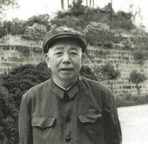"""""""三讓""""將軍徐立清"""