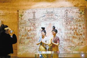 敦煌壁畫藝術展3天吸引近萬人參觀